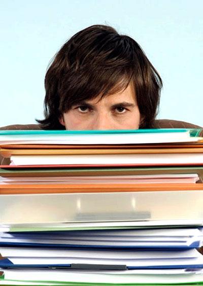 Công việc tiếp nhận và lưu trữ hồ sơ từ ngày này đến năm khác sẽ là một gánh nặng đối với thư ký hay bất kỳ ai làm việc văn phòng. Vì thế, phân loại - sắp xếp – lưu trữ hồ sơ là một việc làm cần thiết và rất quan trọng.
